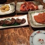 酒呑 - ★7 栗の天ぷら、焼いた皮つきの鶏、ハムカツ、しいたけ