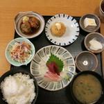 44941593 - 八田定食(ランチ)850円