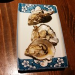 原始焼き酒場 ルンゴカーニバル 極 - 蒸し牡蠣(3個~)1個130円+税