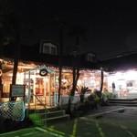 パームスプリングスファミリーレストランアンドゴルフレンジ - 2015.11.28撮影       店舗外観(クリスマスバージョン)