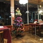 パームスプリングスファミリーレストランアンドゴルフレンジ - 2015.11.28撮影       店内(クリスマスバージョン)