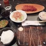 とんかつ マンジェ - 11月のスペシャルメニュー「醤油とんかつティラミス風定食」(1590円込み)(2015年11月)