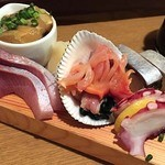 魚金 2号店 - 12点盛りの玉手箱1580円