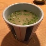 炭火鶏焼肉 しんざん - 鳥スープ250円