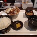 一栄 - もつ煮定食