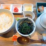 福太郎 - 博多茶漬け膳750円です。 ゴマダレ漬けの鯛は、最初はそのままで、白ご飯と共に頂きます。