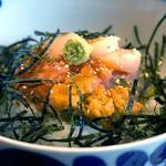 福太郎 - 『福太郎の錦盛りボウル』680円。 明太子のおかわり自由。 ご飯はおかわり一杯無料です。 味噌汁・小鉢・お漬物までついて、この価格はすばらしい!