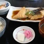 長篠食堂 - 煮魚定食850円。薄味で素材の味が生きてます。