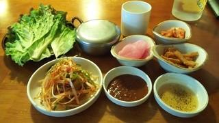 韓国家庭料理 鐘路本家 - おかず