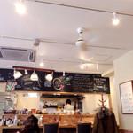 SEIA cafe&bar  - 夜にワインを呑みに来たいな〜っていう雰囲気♡