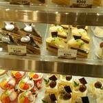 スウィートベリー - ケーキ色々。