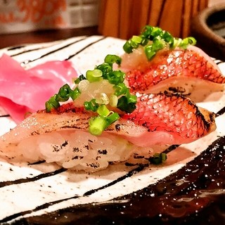 魚屋直送!お寿司2貫380円~