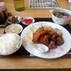 ごはん亭 - 料理写真:エビフライと唐揚げ定食&ミニうどん
