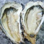 そば天 - 料理写真:三陸唐桑から生牡蠣直送入荷