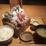 寿司ろばた 八條 - 関アジと地魚5種盛定食