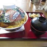 44962352 - カツ丼880円