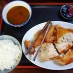 花の木 - 鶏の丸焼、半身+ご飯、みそ汁