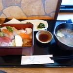 44963846 - 海鮮丼(1700円)