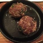 クラフトビアサーバーランド - 牛肉とニラの落とし焼きです。
