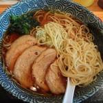 朝日屋 - 淡麗の麺
