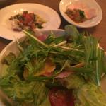 44970159 - ランチセット ¥1500 サラダ+前菜