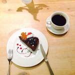 サンデーブランチ - ひつじのショーンのラズベリーガトーショコラ クリスマスケーキ