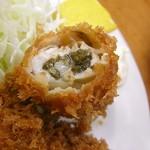 とんかつ 山家 - 牡蠣、カラッとジューシー
