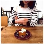 44978587 - 自家製カボチャケーキ500円、いただきます!