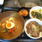 4498920 - 「こだわりの冷麺とミニ土古里丼セット」1580円