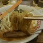 九十九ラーメン - 味噌とんこつの麺