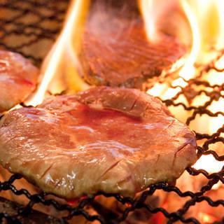 厚切り極上の牛タン炭火焼☆
