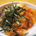 ぢどり屋 大和 - キムチ。 甘めの日本風浅漬けキムチ。