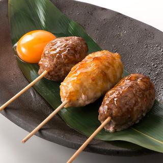 串焼き・鶏料理も自慢の一品。