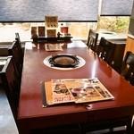 松尾ジンギスカン - テーブル席