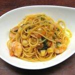クチーナイタリアーナ ステッラ ポラーレ - 小エビとほうれん草のスパゲティ