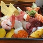 や田べ - 料理写真:海鮮ちらし(茶碗蒸し、アイスクリーム付き) \1,500
