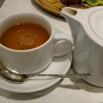 ゴントラン シェリエ カフェ - ポットサービス(^^♪