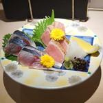 味三昧 - お造り (炙りトロ と 真鯖)