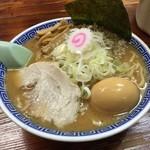 栄勝軒 - 『味玉らーめん』¥820。中盛り250g、太麺チョイス。