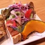 カフェマコト - セットのサラダです。