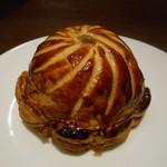 レストランユニック - ヒグマとフォアグラのパイ包み