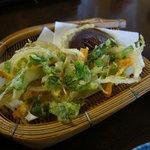 そば処 けやき - 天ぷら かき揚、椎茸、さつまいも