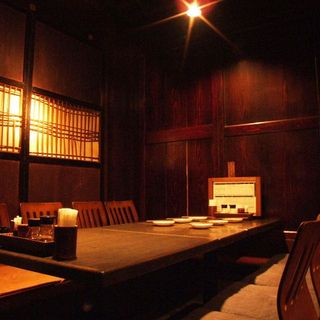 2名様からの個室やフロア貸切(40名様まで)の広々した空間