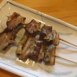 八千よ - 八つ目ウナギの串焼き(塩コショー)