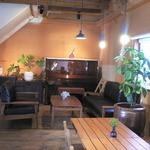 わがまま農園Cafe - もともと納谷とは思えない店内です