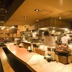 居酒屋 居乃一BAN KANAZAWA - 片町屈指の一枚板のカウンターで、魚料理やプチ宴会を