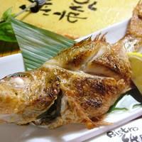 居酒屋 居乃一BAN KANAZAWA - やっぱり食べたい「のど黒の塩焼」!日替わりですが、他にも焼き魚をたくさんご用意しています。