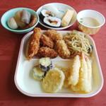国民宿舎 赤とんぼ荘 - 03揚げ物&焼きそば&寿司&おでん&茶碗蒸し