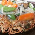 ガスト - 料理写真:広島産牡蠣のあんかけ焼きそば