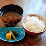 45010156 - ご飯、しじみの味噌汁、香の物